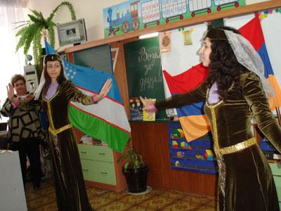 """Танец в подарок от солистов ансамбля """"Урарту"""" Бабаян Лусине и Хачатурян Ануш!"""
